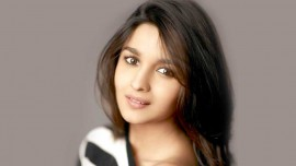 Leading salon chain Naturals plans to rope in Alia Bhatt, replacing Kareena Kapoor Khan