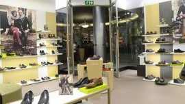 Love for shoes   passion for fashion doesn t mean great retail business       Clark s Mark Darmanin