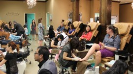 ​Law allows beauty salons to offer free drinks in California