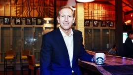 We will hire 10,000 refugees in next 5 years: Starbucks CEO